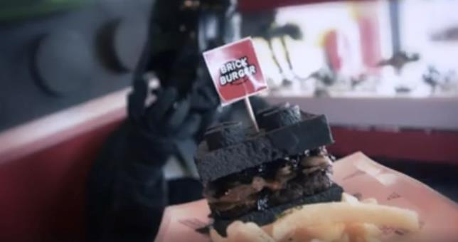 L'Hamburger Darth Vader a tema Lego
