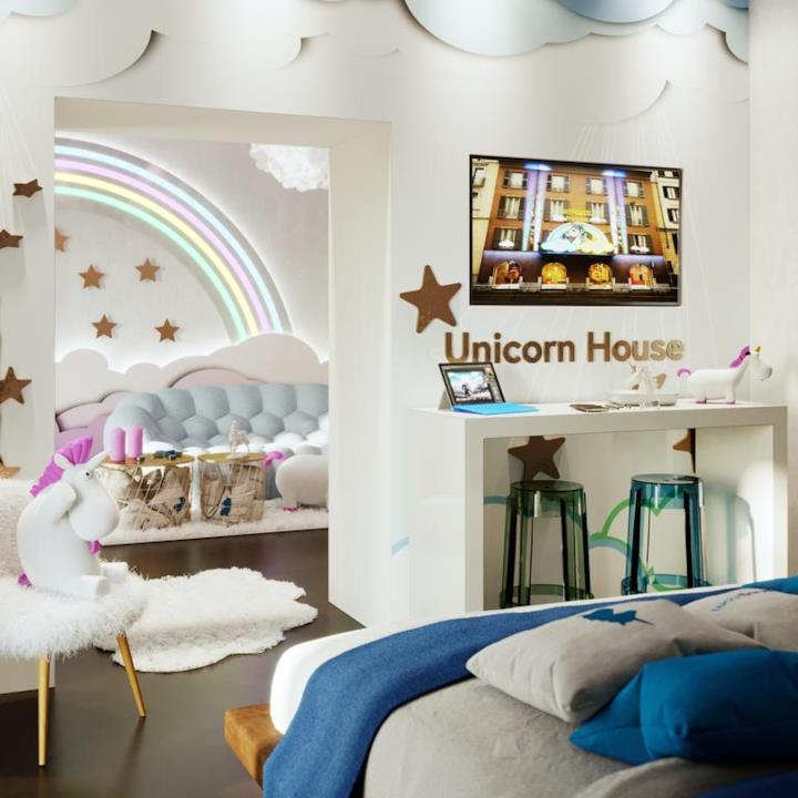 The unicorn house la casa a tema unicorno di milano in for Portale camera