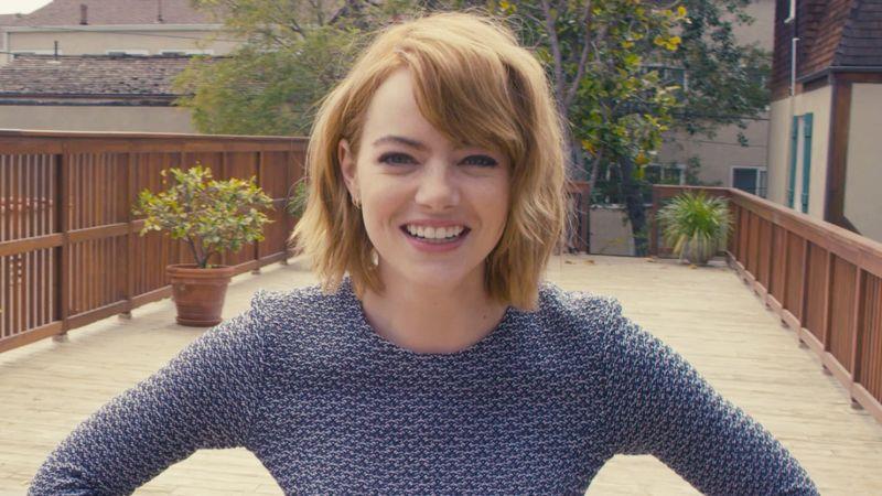 Emma Stone, primo piano nel video di Vogue