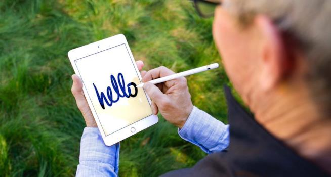 Foto di iPad mini 5 condivisa da Tim Cook, CEO di Apple