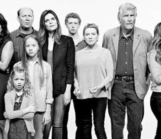 Il cast di Life in Pieces in uno scatto promozionale