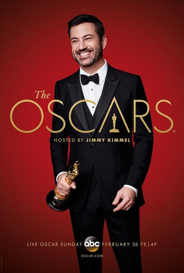 Jimmy Kimmel con in mano un Oscar
