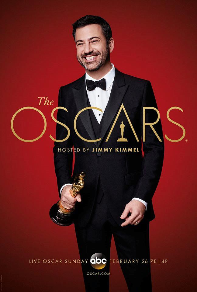 Jimmy Kimmel con in mano un Oscar