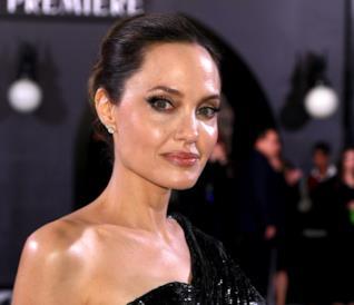 Angelina Jolie alla prima di Maleficent 2