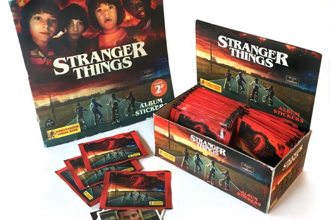 Stranger Things: il finto album in stile Panini realizzato da Golem13