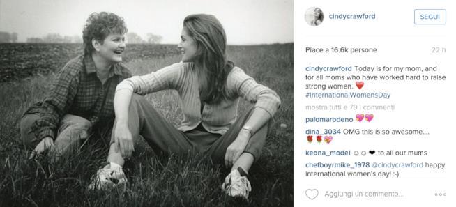 Foto di Cindy Crawford con la mamma su Instagram