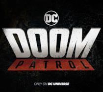 Titolo della serie Doom Patrol in primo piano con logo DC e advertisement in basso