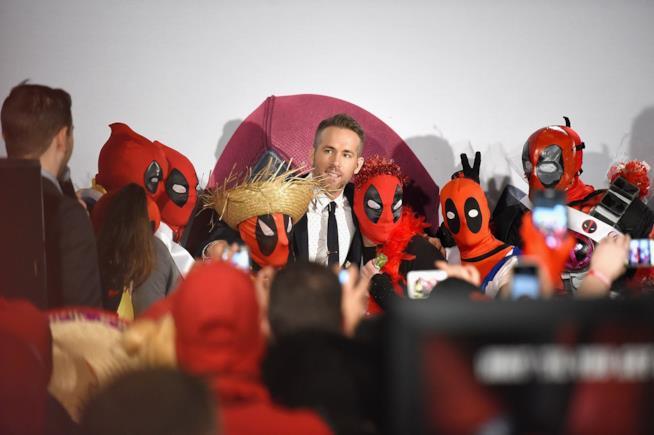 Ryan Reynolds partecipa a un fan event per Deadpool