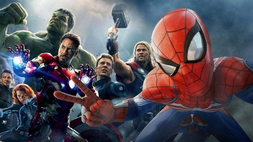 Gli Avengers del MCU (sinistra) e Spider-Man di Marvel's Spider-Man per PS4 (destra)