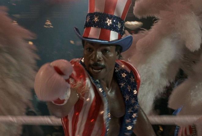 Carl Weathers in una scena di Rocky IV