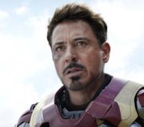 Un primo piano di Tony Stark/Iron Man in Captain America: Civil War