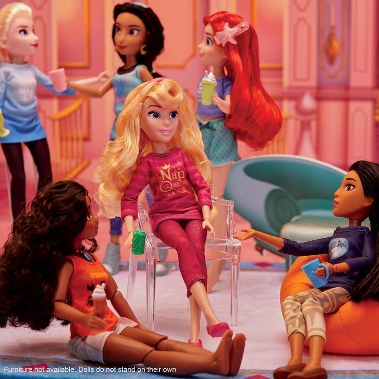 Le Principesse mostrate nel loro outfit casalingo
