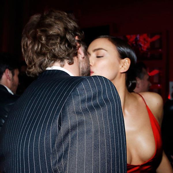 Foto di Irina Shayk che bacia Bradley Cooper