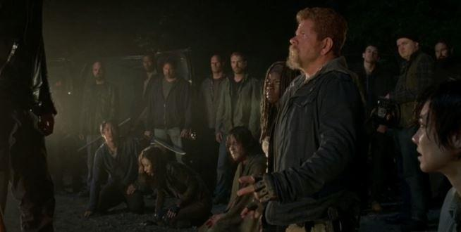 Abraham in una scena iconica di The Walking Dead 7x01