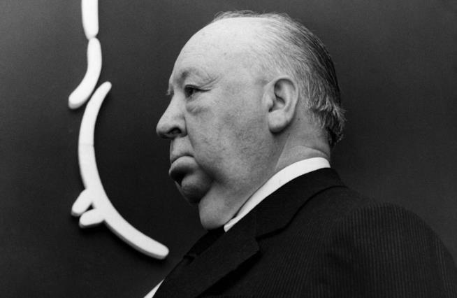Alfred Hitchcock di profilo