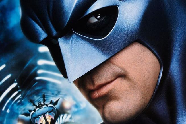 Primo piano di George Clooney nei panni di Batman