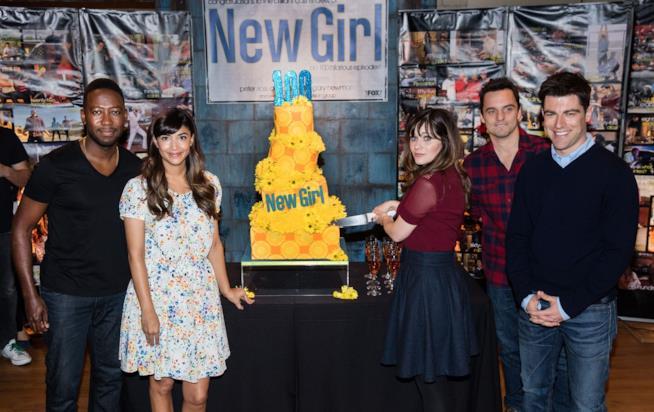 Il cast di New Girl festeggia l'episodio 100