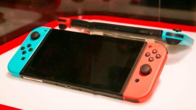 Lo schermo di Nintendo Switch visto da vicino