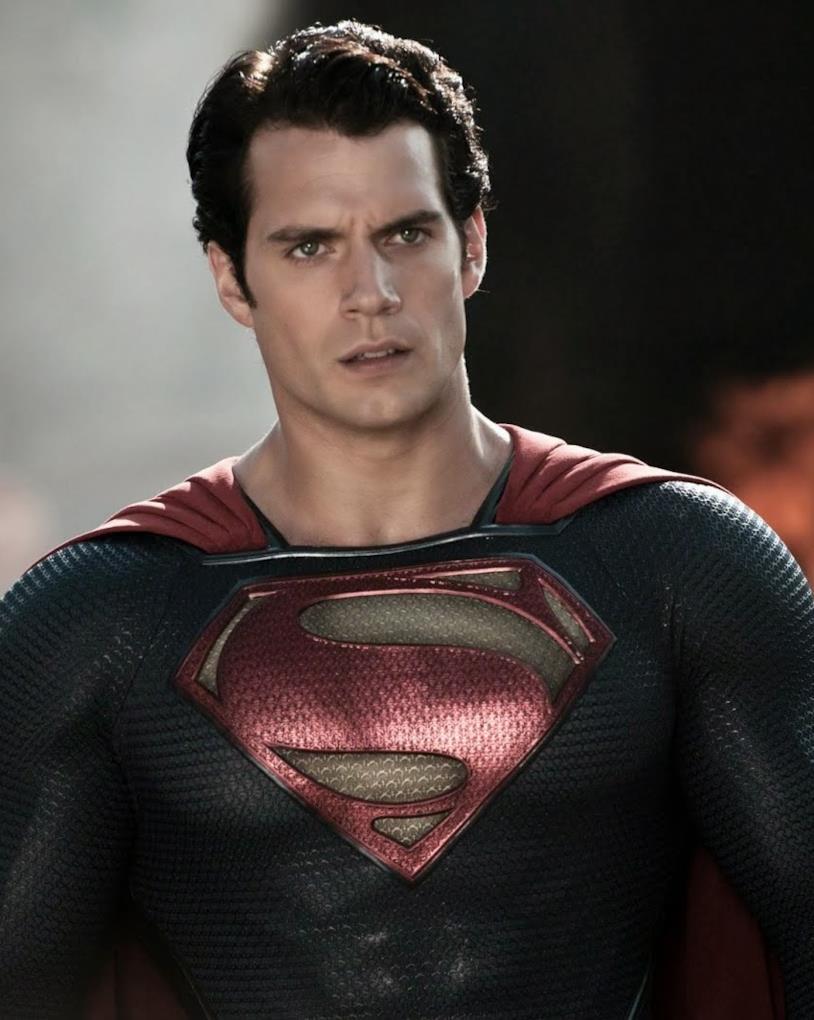 Mezzobusto di Henry Cavill nel costume di Superman