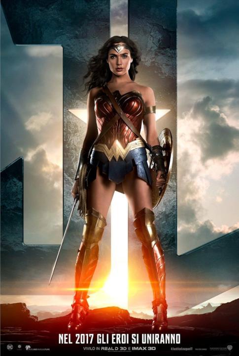 Gal Gadot nel character poster di Wonder Woman