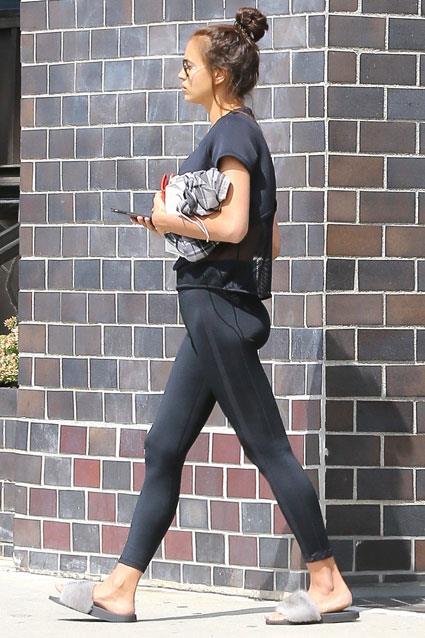 Irina Shayk di ritorno dalla sua lezione di pilates