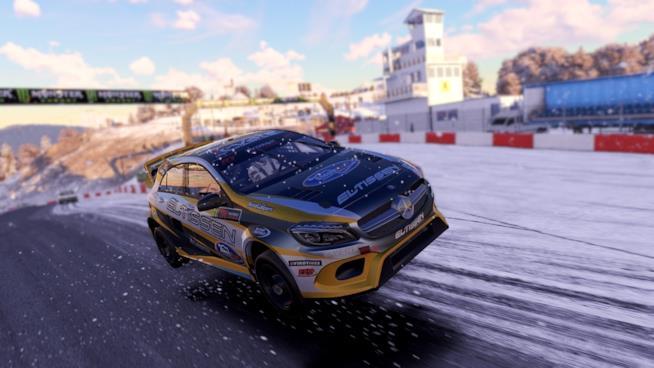 Un bolide corre sotto la neve sulle piste di Project CARS 2