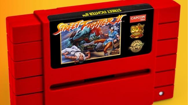 In foto la cartuccia di iam8bit di Street Fighter II per Super Nintendo