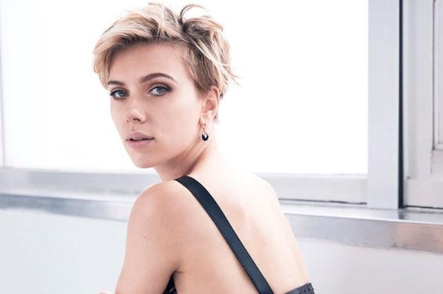 Scarlett Johansson su Cosmopolitan: le donne devono poter parlare di sesso senza essere giudicate