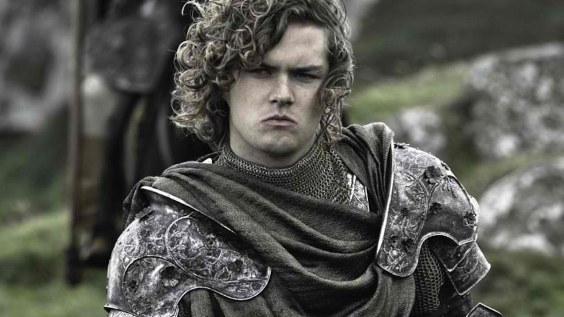 Finn Jones nei panni di Loras Tyrell in Game of Thrones