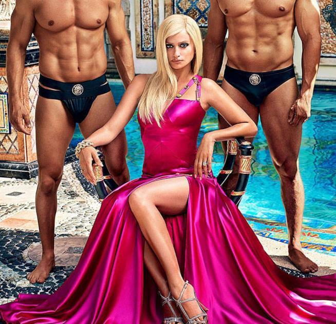 Penelope Cruz in fucsia per Versace