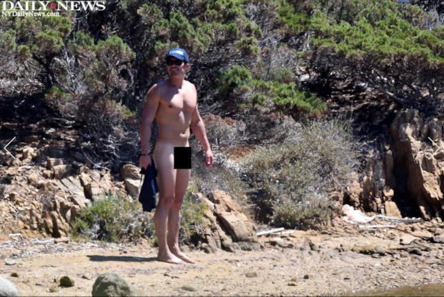 Orlando Bloom è nudo negli scatti dei paparazzi