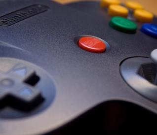 Il controller a tridente del Nintendo 64