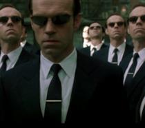 Hugo Weaving interpreta l'agente Smith nella trilogia di Matrix