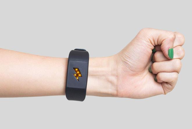 Pavlok il bracciale che cura i vizi con una scossa elettrica