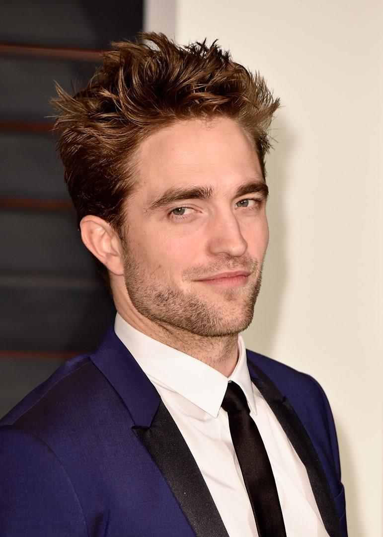 Robert Pattinson in primo piano