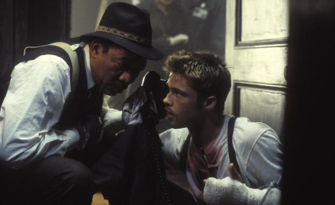 Morgan Freeman e Brad Pitt in una scena del film