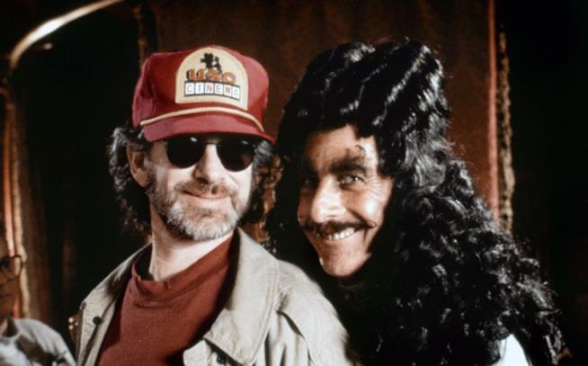 Dustin Hoffman assieme a Spielberg sul set di Hook