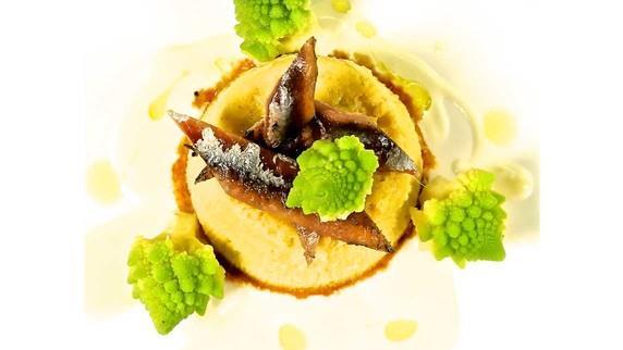 Flan di broccolo romano, salsa pecorino e acciuga
