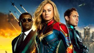 Un primo piano di Brie Larson nel poster ufficiale di Captain Marvel