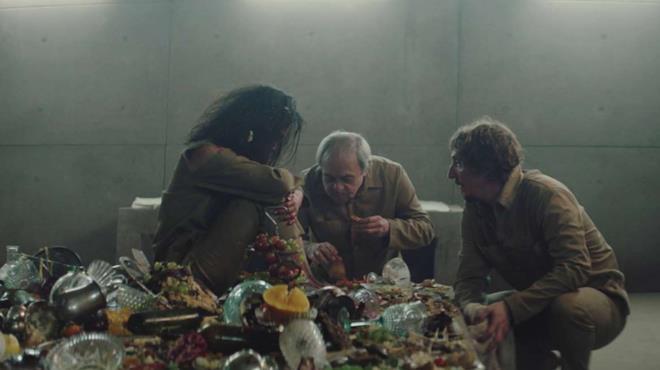 Goreng, Trimagasi e Miharu in una scena de Il buco