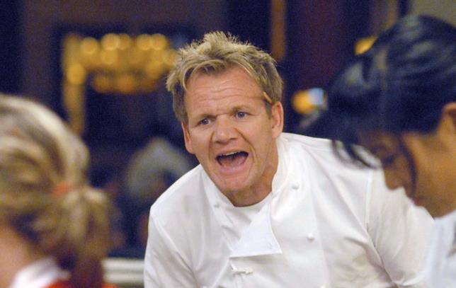 In Hell's Kitchen Gordon Ramsay mostra il suo lato più duro