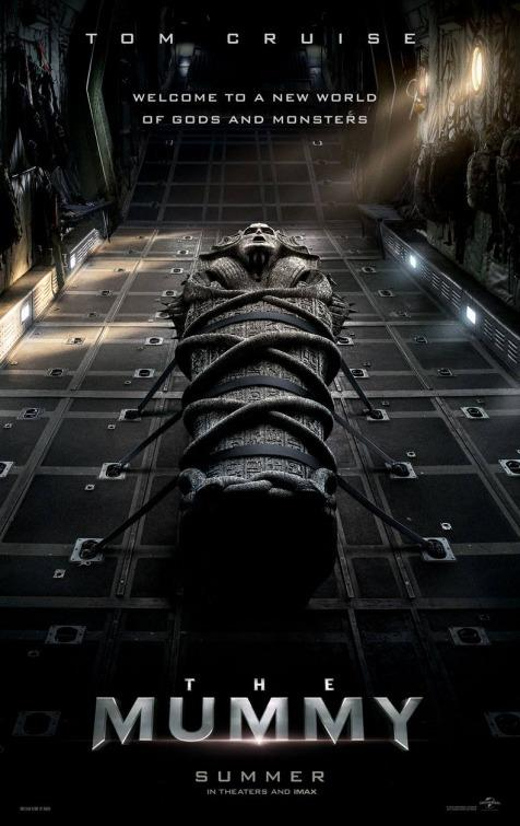 Poster del film The Mummy con Tom Cruise e Russell Crowe