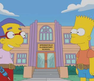 Bart Simpson e Milhouse davanti alla scuola elementare di Springfield