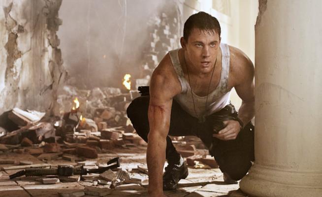 Channing Tatum in una scena di un film sporco e in pericolo