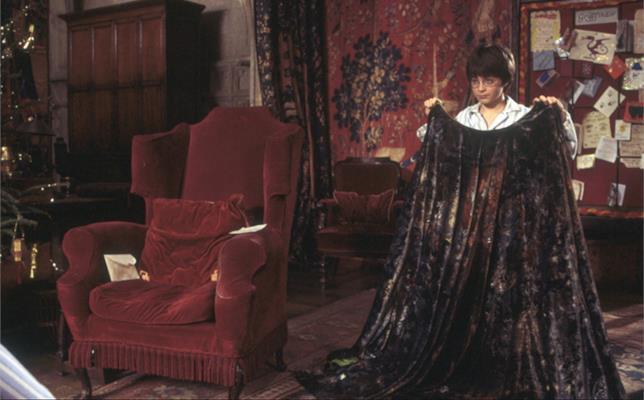 Il Mantello dell'Invisibilità in Harry Potter e la Pietra Filosofale