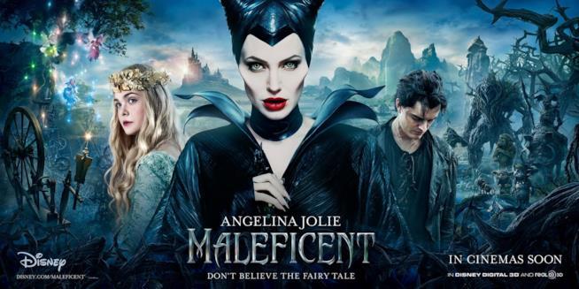 Angelina Jolie nel poster del primo film: presto la vedremo anche in Maleficent 2