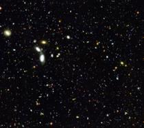 Una foto di numerose galassie scattata dal telescopio spaziale Hubble