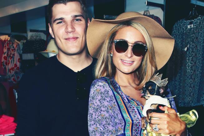 Paris Hilton assieme al suo fidanzato Chris Zylka