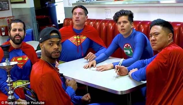 Superman Racist: cinque dei sei Superman presenti nel video di Rudy Mancuso