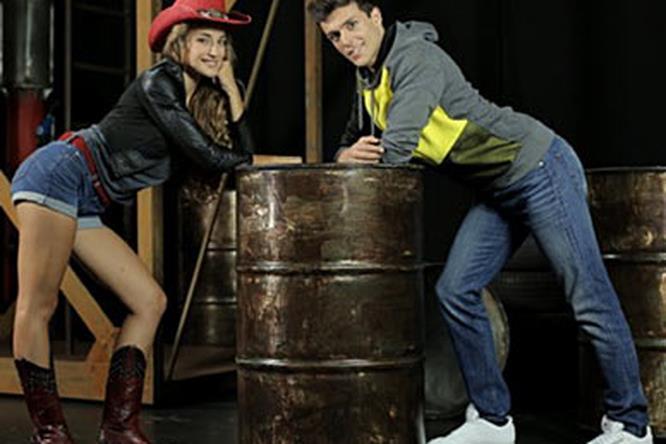 Footloose Il Musical, protagonisti Ren McCormack (Riccardo Sinisi) e Ariel Moore (Beatrice Baldaccini)